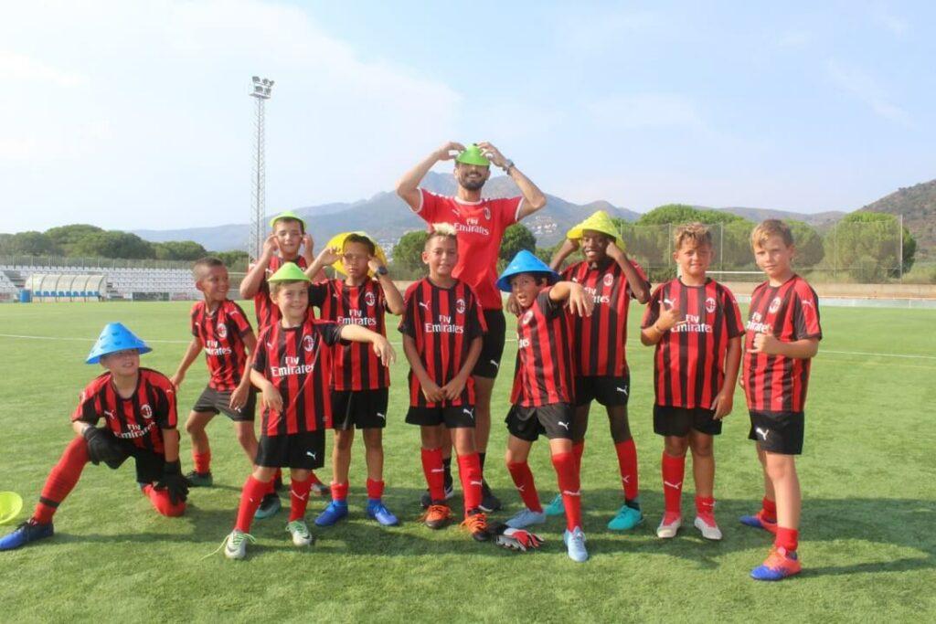 Football-fun-stage-milan-ac