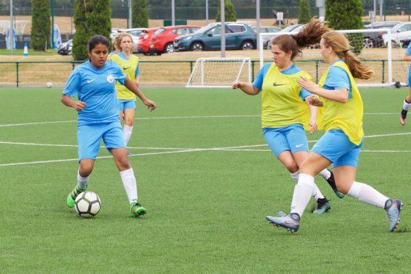 Meilleur-stage-de-foot-pour-filles