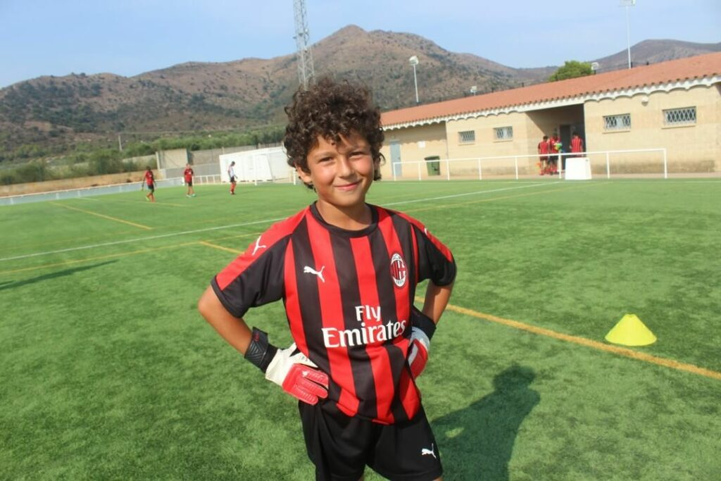 football-camp-goalkeeper