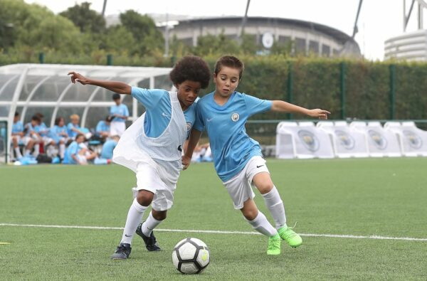 football-camp-kids-manchester-city