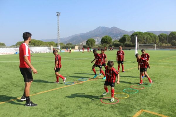 football-camp-spain-training