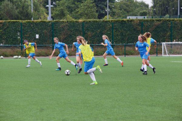 play-soccer-girls-detection