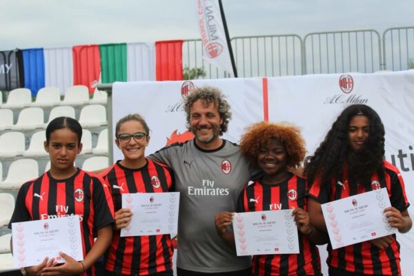 soccer-camp-for-girls-ac-milan