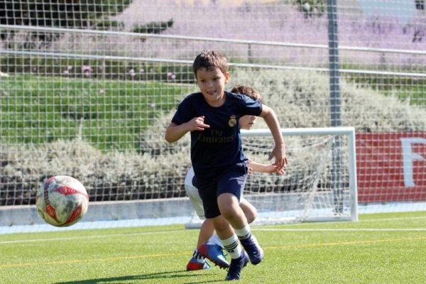 football-camp-real-madrid-espagne-été